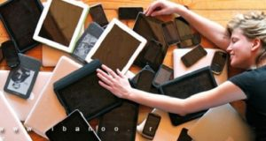 checking-cell-phones